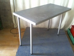table grise