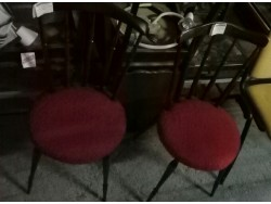 Chaise asise rouge